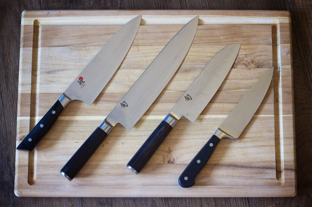 chef 39 s knife how to hold and wash it the cooking dish. Black Bedroom Furniture Sets. Home Design Ideas